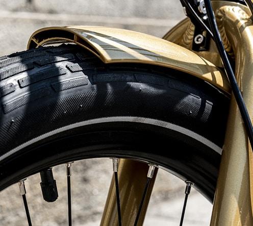 Garde boue en aluminium renforcé vélo électrique de marque française Reine Bike