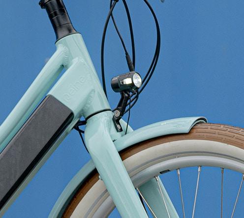 Feu avant avec éclairage logue distance u bike Reinebike, marque française haut de gamme