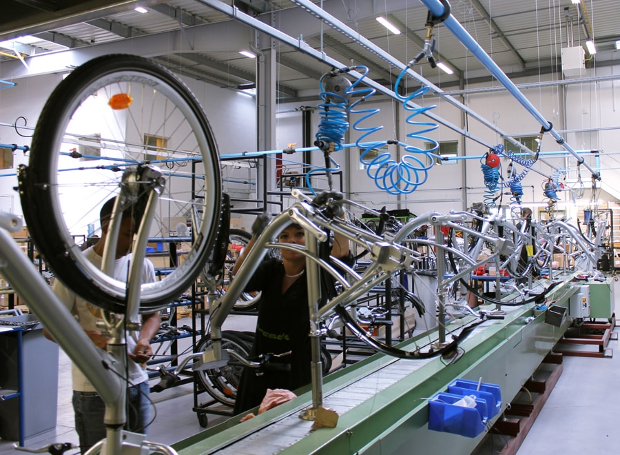 production des vélos électriques chez Arcade Cycle